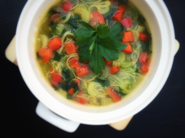 Fat free! Carb free! Spicy! –Vegan zucchini noodle soup for winter